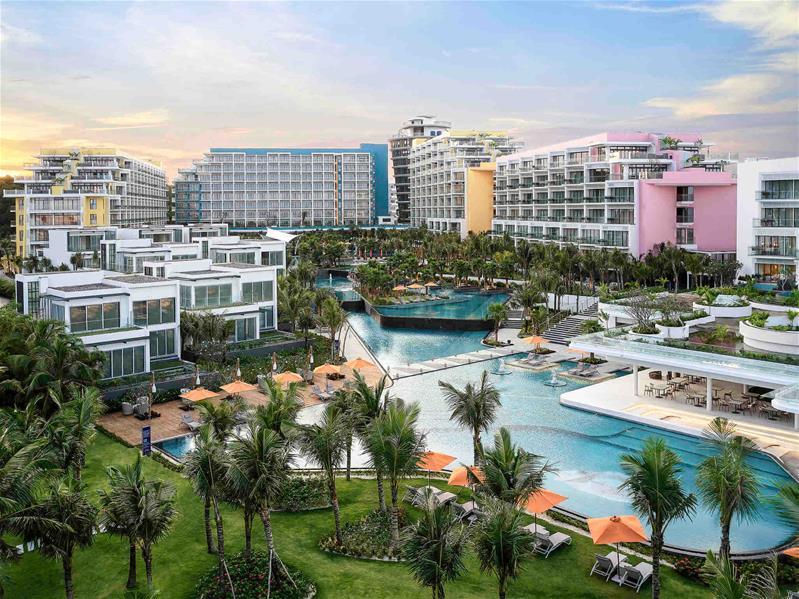 Combo 3N2Đ Premier Residences Phú Quốc Emerald Bay : Vé máy bay khứ hồi + Phòng Standard + Ăn sáng + Xe đưa đón sân bay
