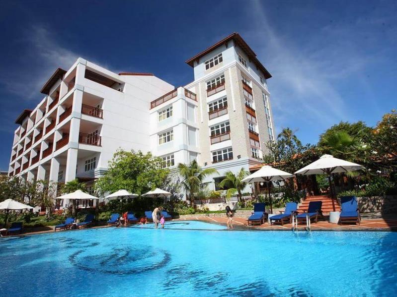 Combo 3N2Đ Novela Mui Ne Resort & Spa Phan Thiết 4 sao: Xe Limousine + Phòng Tiêu Chuẩn + Ăn Sáng