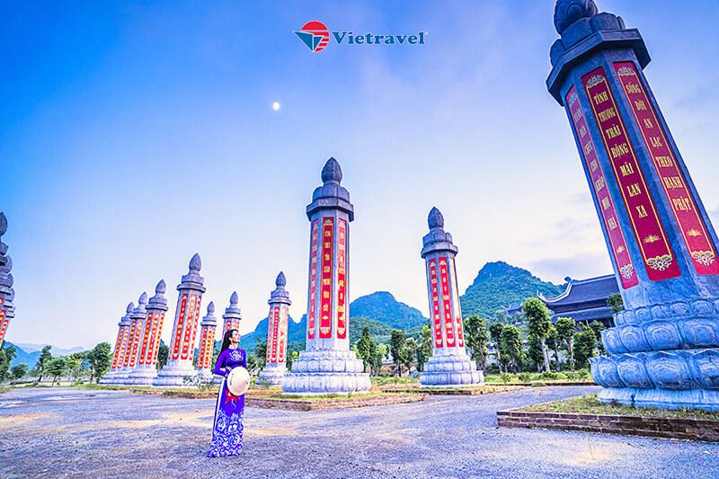 Bay cùng Vietravel Airlines: Tam Chúc – Lễ Cầu An Chùa Bái Đính - Hang Múa – Tam Cốc – Thung Lũng Mận Nà Ka – Gò Lao – Đi Thuyền Trên Sông Đà - Thung Khe