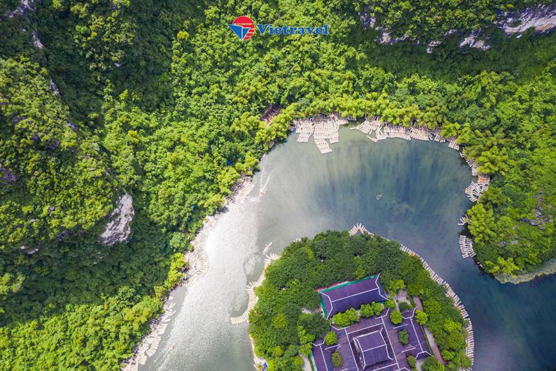 Bay cùng Vietravel Airlines: Tam Chúc - Tràng An - Hà Nội (Khách sạn 3 sao)