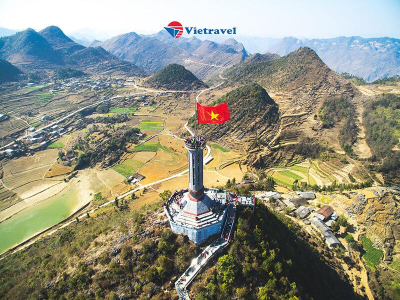 Bay cùng Vietravel Airlines: Hà Nội - Đông Bắc: Hà Giang - Lũng Cú - Đồng Văn - Mã Pí Lèng - Mèo Vạc - Cao Bằng - Thác Bản Giốc - Hồ Ba Bể