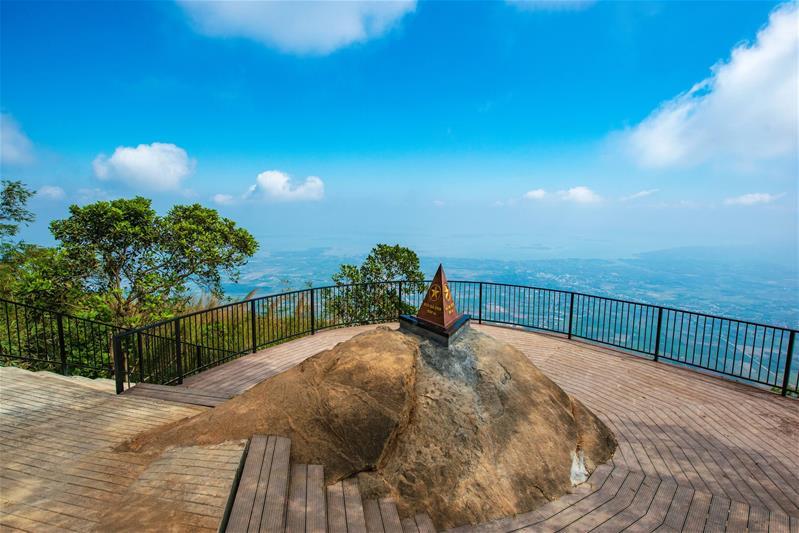 Củ Chi - Vùng Đất Thép - Tây Ninh  - Lưu Trú Vinpearl Hotel Chuẩn 5 Sao (Nhóm 6 khách)
